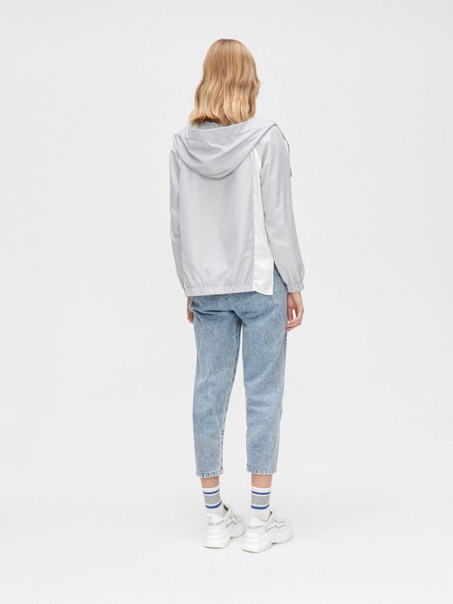 Легкая куртка с капюшоном - светло-серый - XL601-09X - Cropp - 4